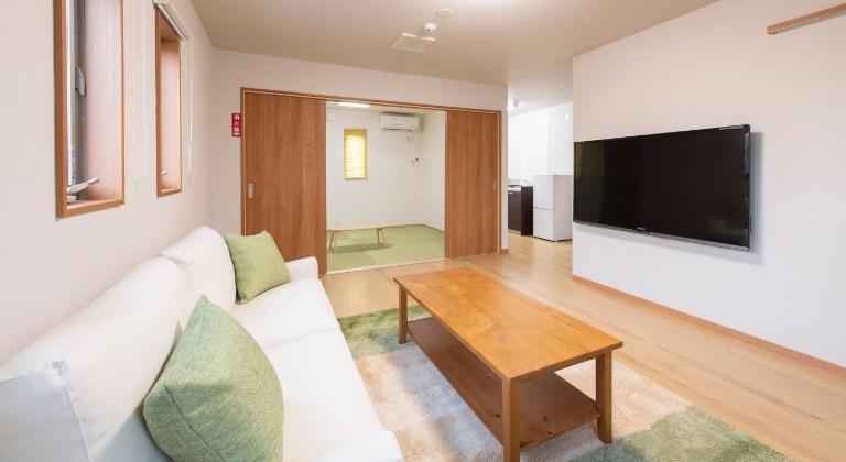 宿泊施設(2F):リビング