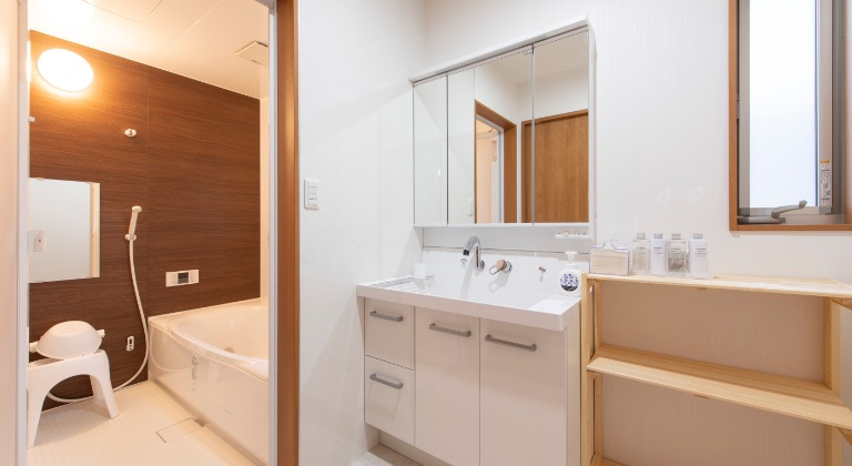 宿泊施設(2F):洗面所