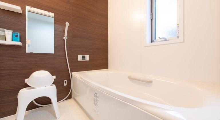 宿泊施設(2F):バスルーム