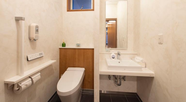 宿泊施設(2F):お手洗い